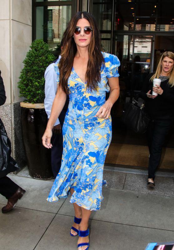 Sandra Bullock in a Blue Floral Print Dress - New York 06/05/2018