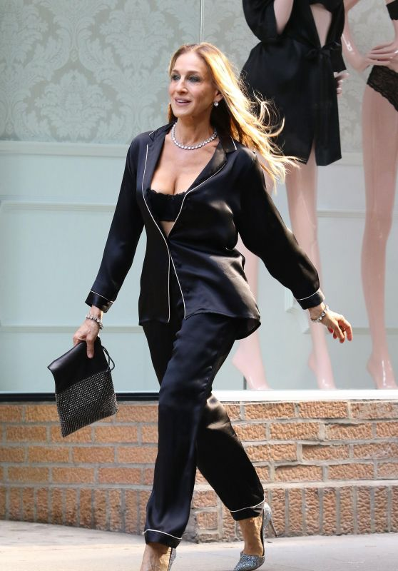 Sarah Jessica Parker - Films a Commercial in NYC 06/05/2018