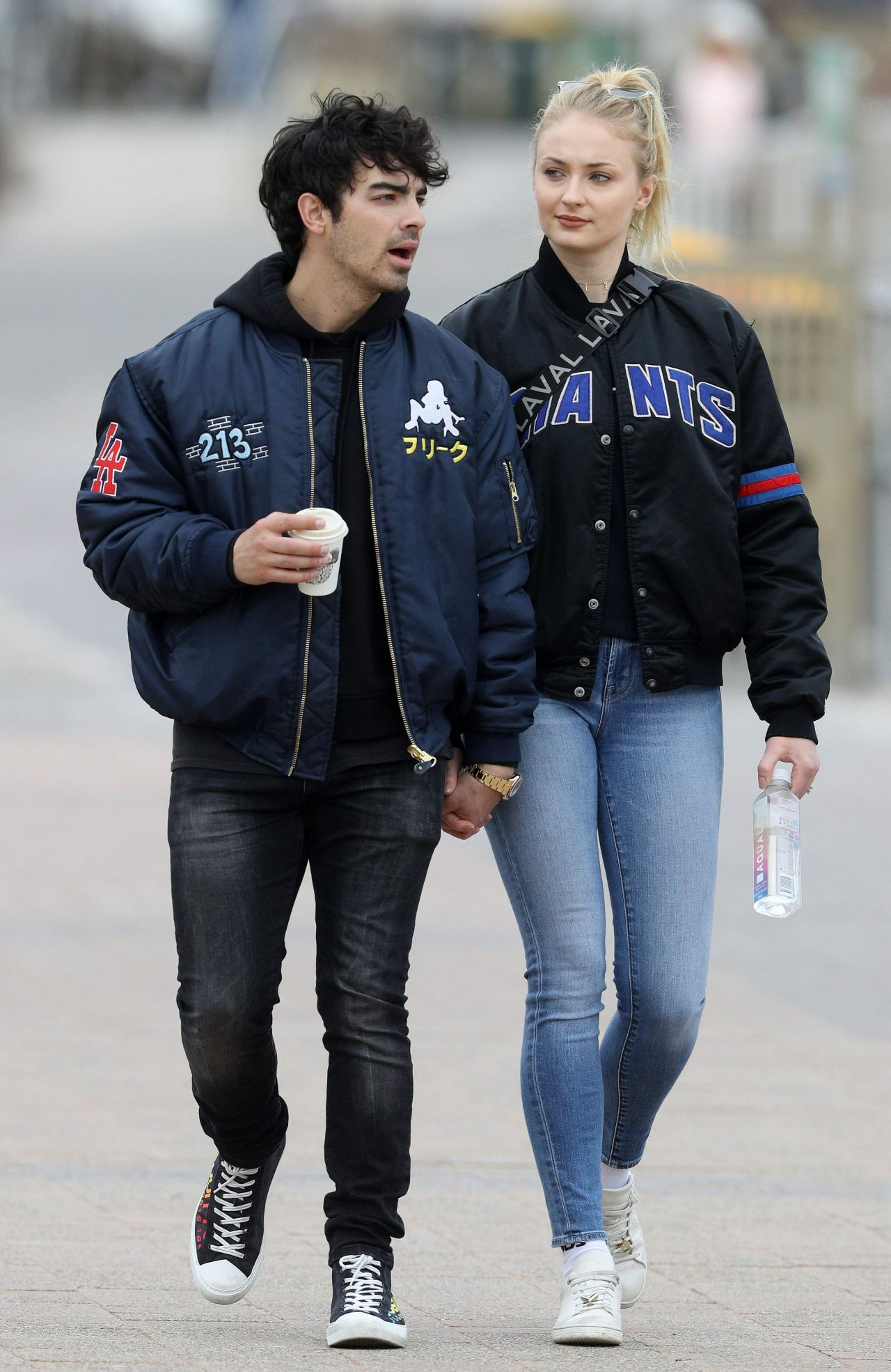 Joe jonas dating in Sydney