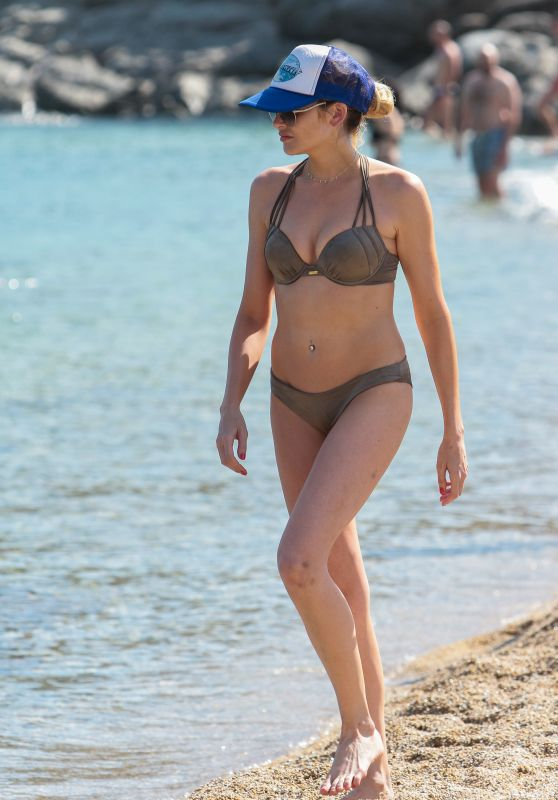 Stephanie Pratt in Bikini - Vacationing in the Greek Island of Mykonos 06/19/2018