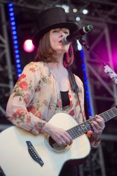 Suzanne Vega - Performs at the 2018 Isle Of Wight Festival