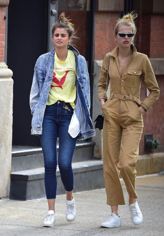 Taylor Hill and Daphne Groeneveld - Out in Tribeca, New York 06/08/2018