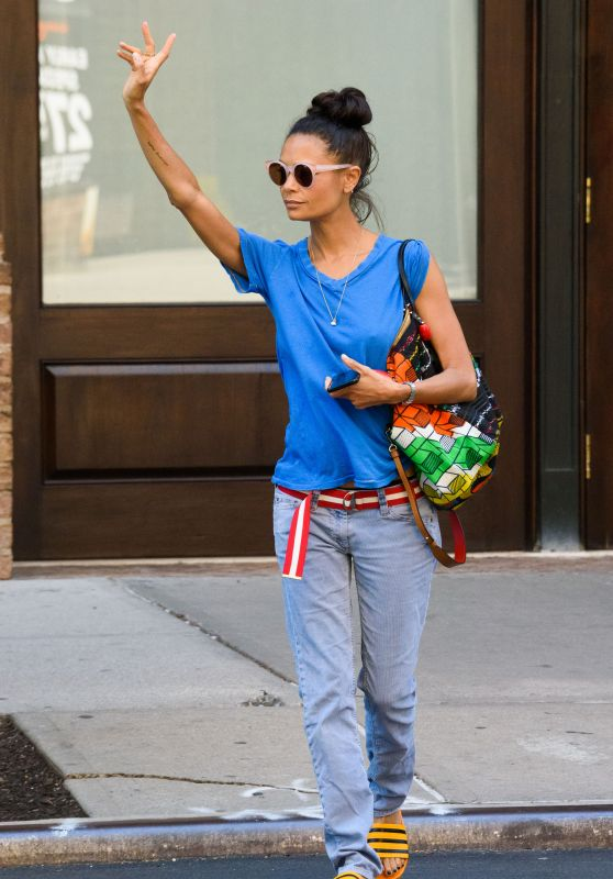 Thandie Newton - Hailing a Taxi in NYC 06/14/2018