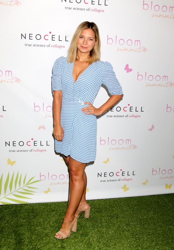 Vanessa Ray – 2018 Bloom Summit in LA