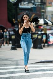 Victoria Justice Eats Ice Cream - New York City 06/22/2018