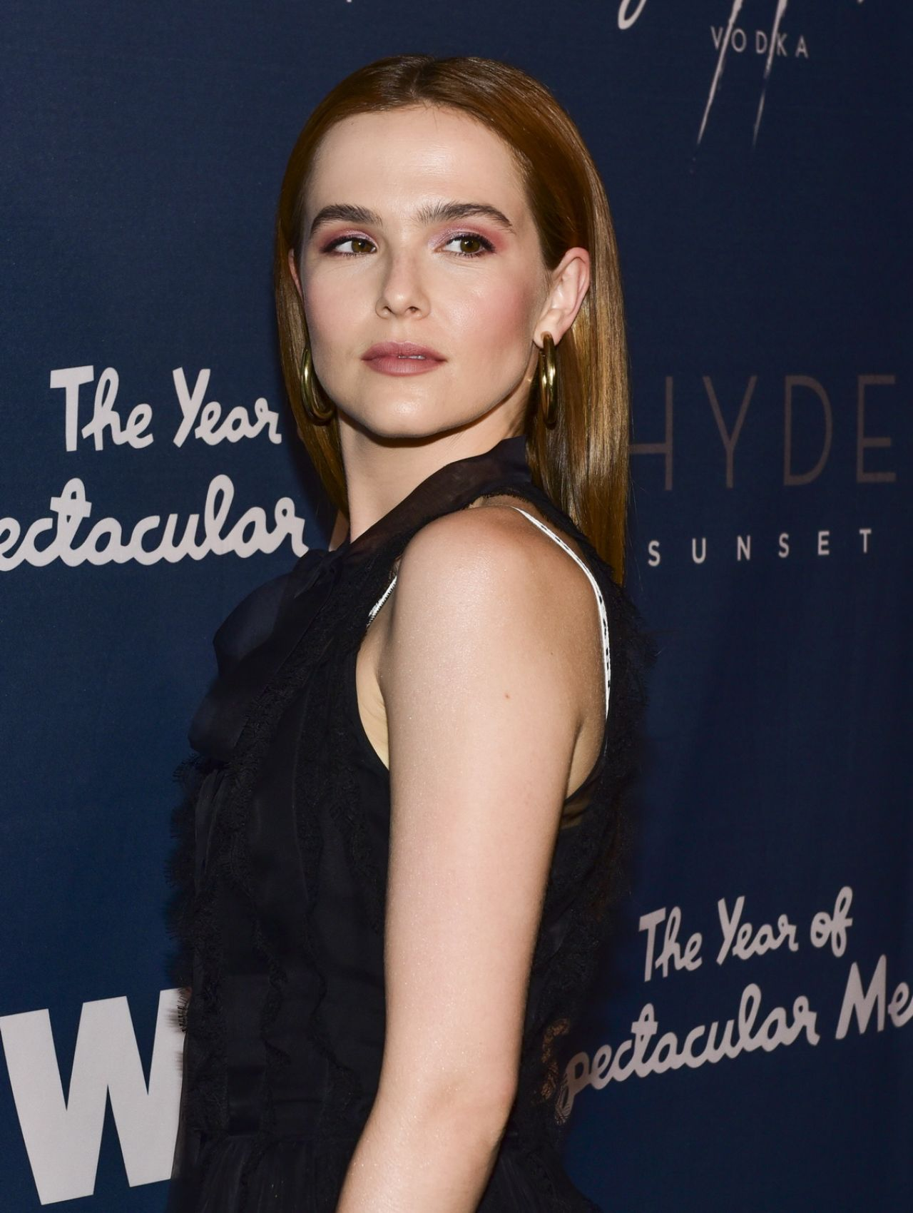 http://celebmafia.com/wp-content/uploads/2018/06/zoey-deutch-the-year-of-spectacular-men-premiere-in-la-3.jpg