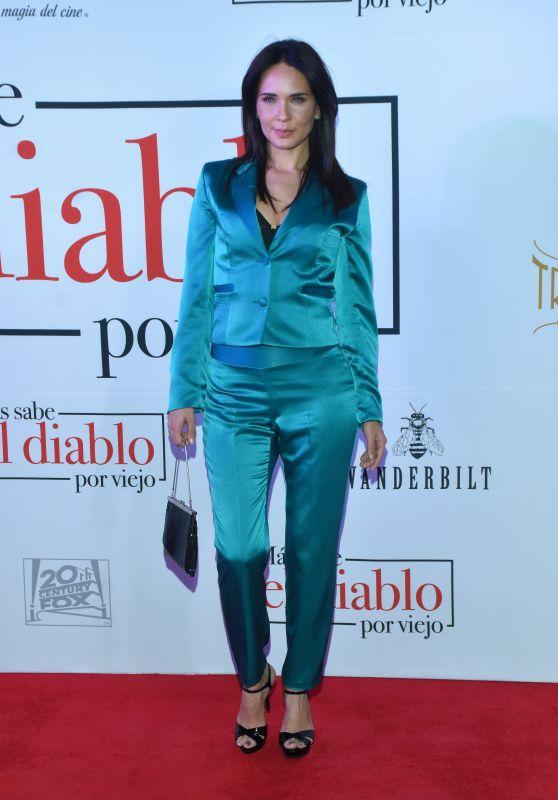 """Adriana Louvier – """"Mas Sabe el Diablo por Viejo"""" Premiere in Mexico City"""