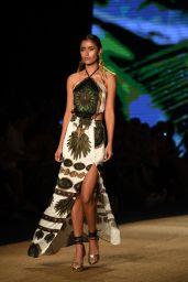 Aguaclara Show at the Paraiso Fashion Fair in Miami 07/13/2018