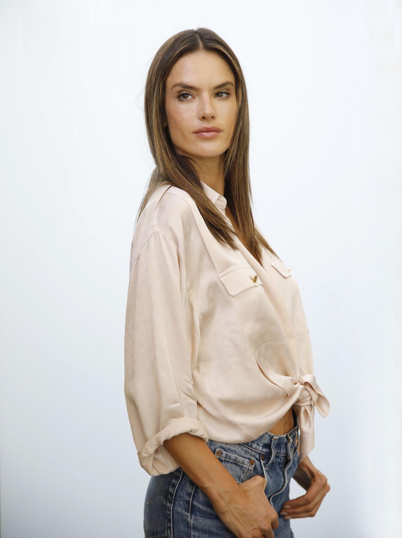 Alessandra Ambrosio Zuhair Murad Couture Fashion Show
