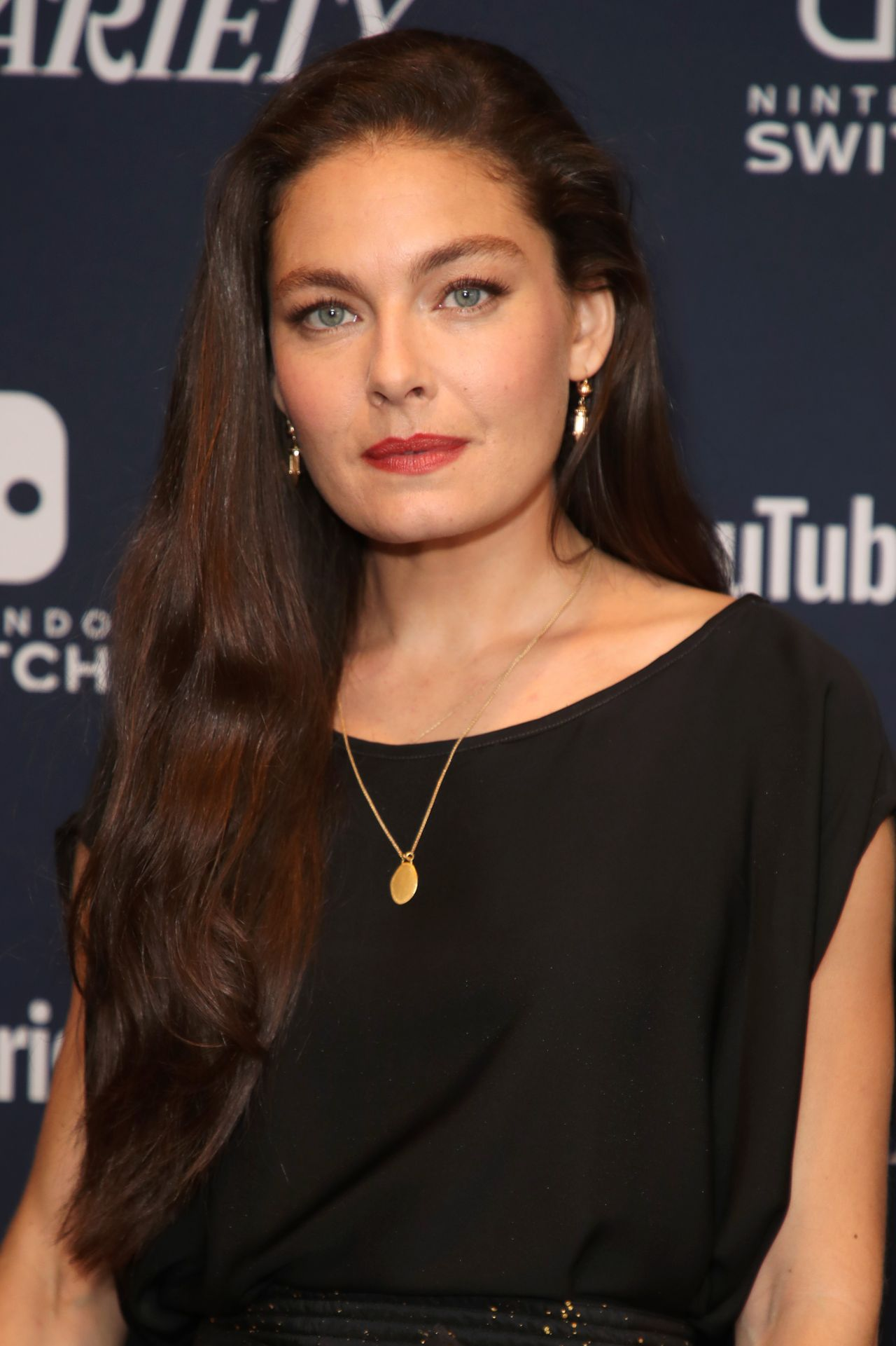 Discussion on this topic: Shanti Lowry, alexa-davalos/