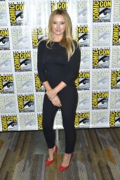 "Amy Shiels – ""Twin Peaks"" Photocall at 2018 SDCC"