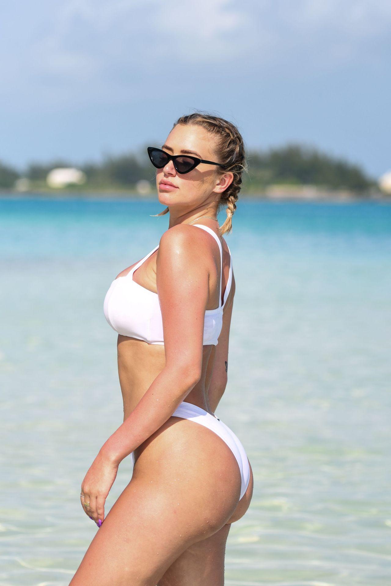 ab7a65a6b5301 Anastasia Karanikolaou in Bikini – Revolve Summer Event in Bermuda 07 17  2018