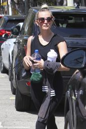 Ashlee Simpson - Leaves Tracy Anderson Workout Studio 07/19/2018