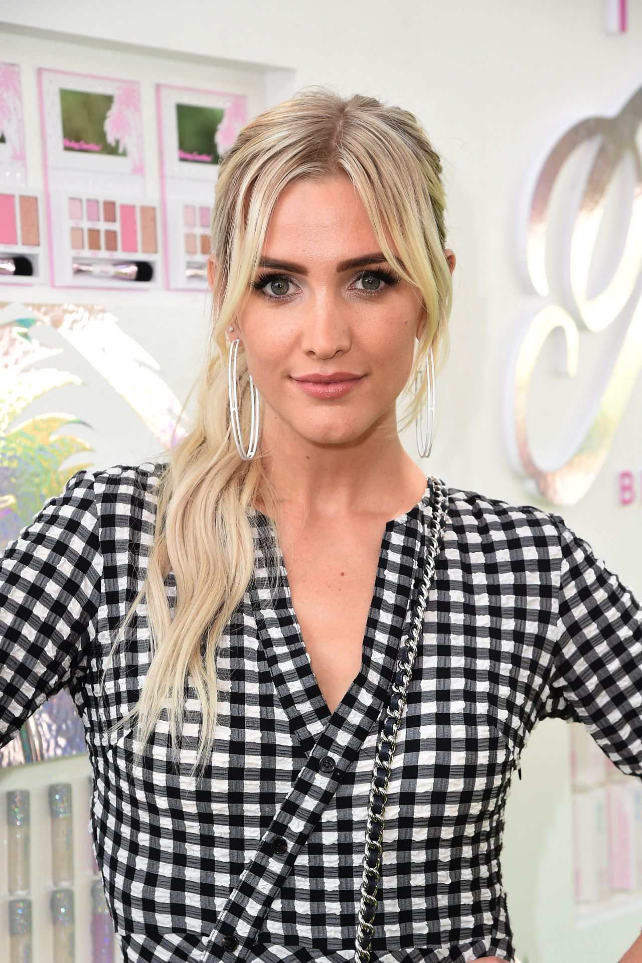 Ashlee Simpson - Petite `n Pretty Launch Celebration in ... Ashlee Simpson