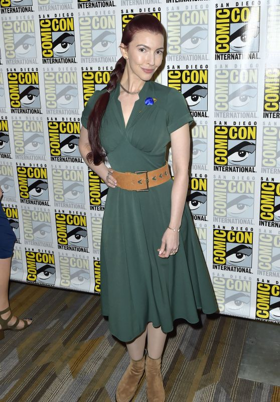 "Chrysta Bell – ""Twin Peaks"" Photocall at 2018 SDCC"