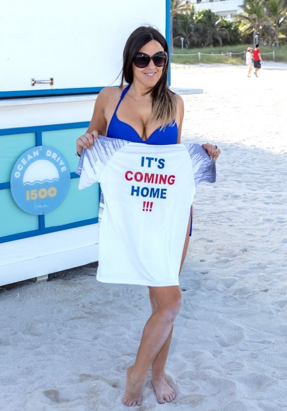 Claudia Romani in an England Jersey During the World Cup Finals