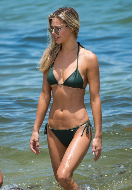 Danielle Knudson - Girls Beach Day in Miami 07/16/2018