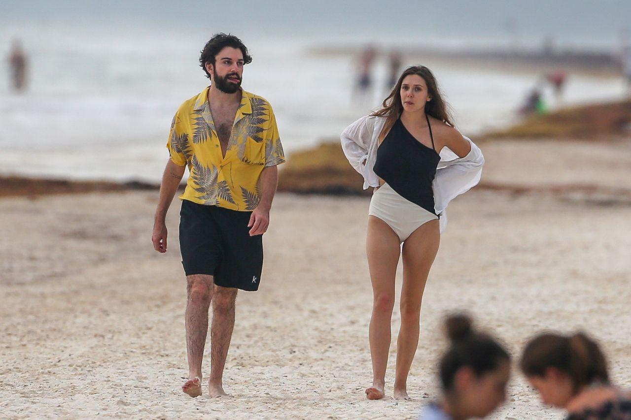 elizabeth olsen bikini