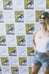 "Emily Bett Rickards - ""Arrow"" Panel at SDCC 2018"