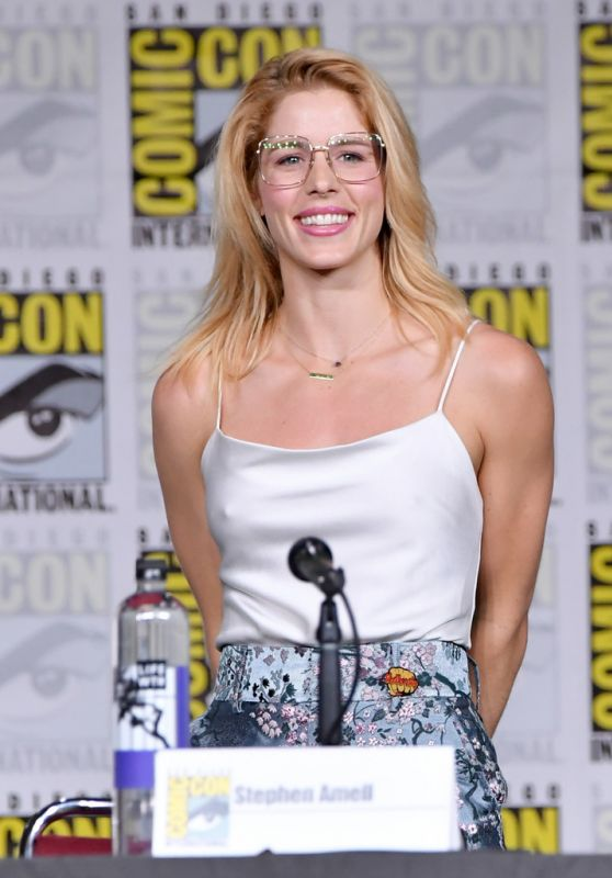 "Emily Bett Rickards - ""Arrow"" Panel at SDCC 2018"