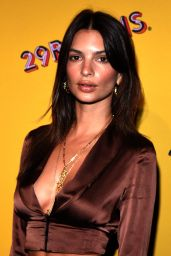 "Emily Ratajkowski – ""Refinery29's 29rooms: Turn It Into Art"" Event in Chicago 07/25/2018"