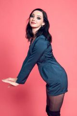 Emma Dumont – Photoshoot Powered by Pizza Hut at 2018 San Diego Comic Con