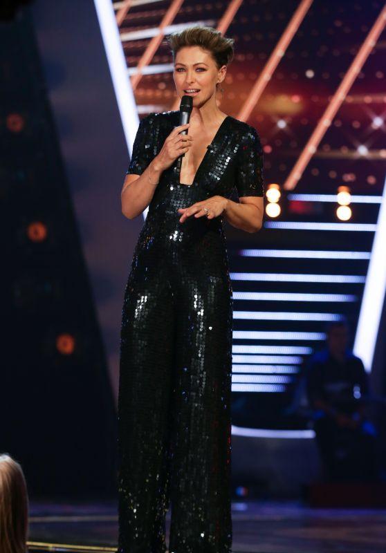 "Emma Willis – ""The Voice Kids"" TV Show, S2E8"