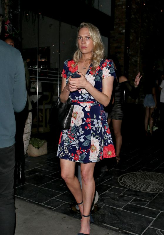 Erin Foster - Heading Out From Avenue Nightclub in Hollywood