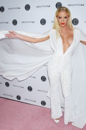 Gigi Gorgeous - Beautycon Festival in Los Angeles 07/14/2018
