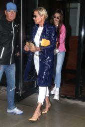 Gigi Hadid and Yolanda Hadid Shopping on a Rainy Night in New York