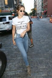 Gigi Hadid Casual Style - Heading Out For Dinner in NYC 07/18/2018