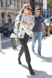 Gigi Hadid in Dino Denim Jacket - Leaving Marc Jacobs Offices in SoHo, NY 07/20/2018