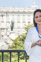 Gloria Estefan - Receives the Gold Medal of Merit in the Fine Arts in Madrid