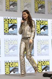 """Hailee Steinfeld - """"Spider-Man Into the Spider-Verse"""" Panel at Comic-Con San Diego"""