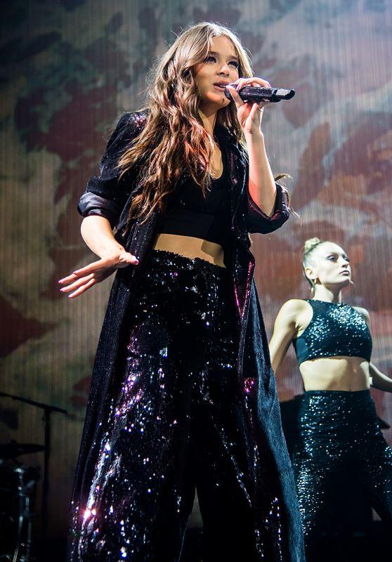 Hailee Steinfeld - The Voicenotes Tour in Camden 07/24/2018
