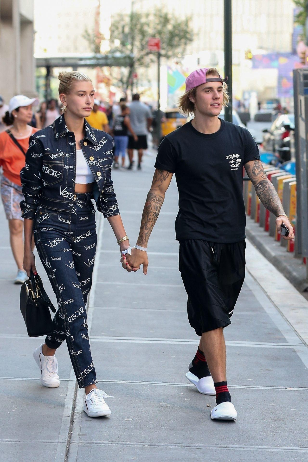 Hailey Baldwin and Justin Bieber - Leaving Nobu Restaurant ... джастин бибер