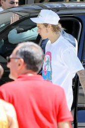 Hailey Baldwin and Justin Bieber Out in Beverly Hills 07/22/2018