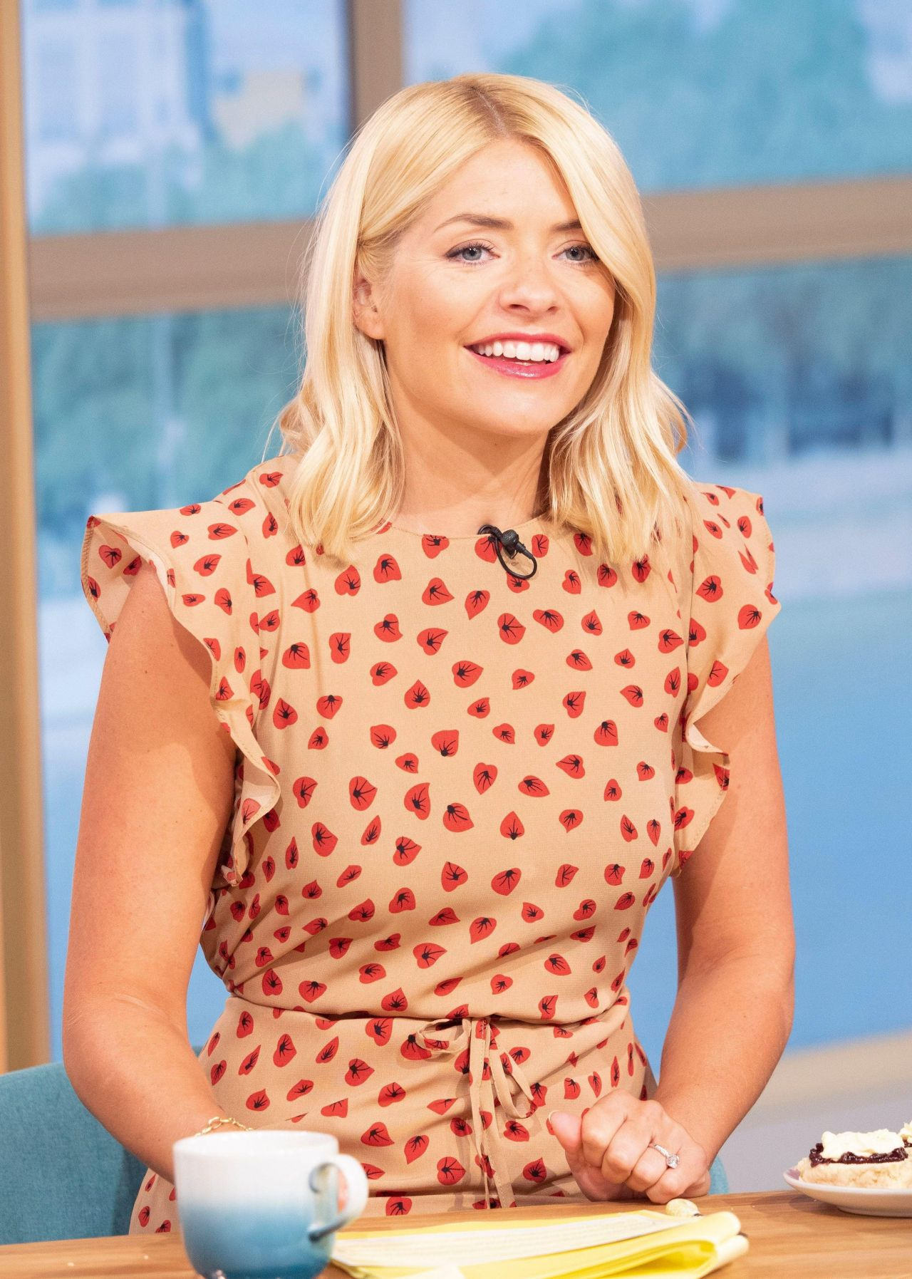 holly willoughby this morning tv show in london 07 02 2018. Black Bedroom Furniture Sets. Home Design Ideas