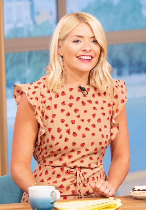Holly Willoughby - This Morning TV Show in London 07/02/2018