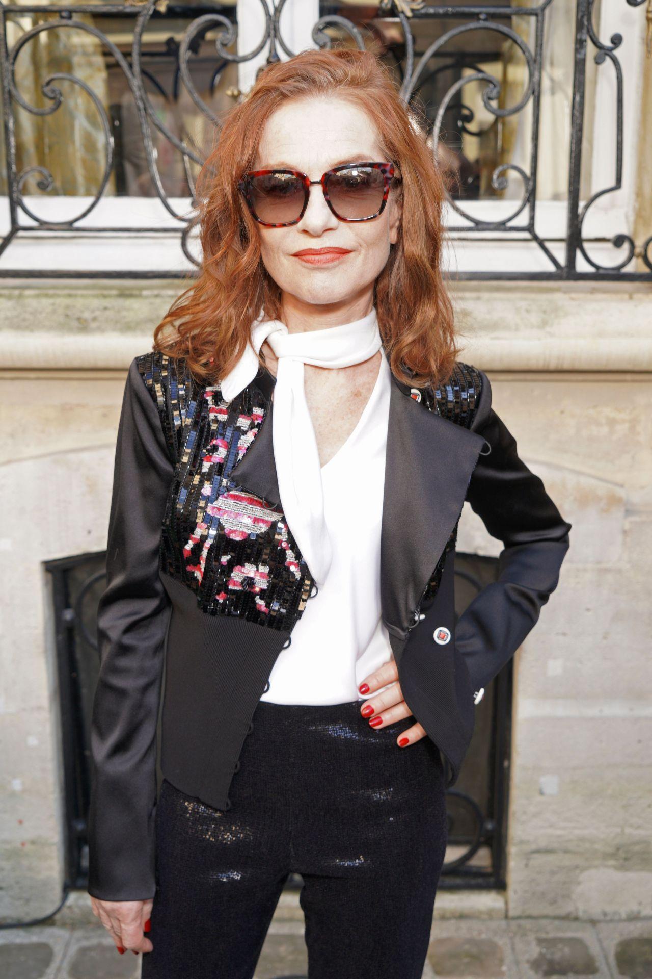 https://celebmafia.com/wp-content/uploads/2018/07/isabelle-huppert-giorgio-armani-prive-fashion-show-in-paris-07-03-2018-5.jpg