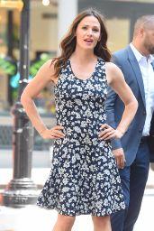 Jennifer Garner in Summer Dress - Shopping in NYC 07/16/2018