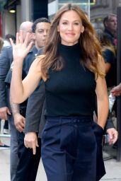 "Jennifer Garner - Outside of ""Good Morning America"" in NYC 07/16/2018"