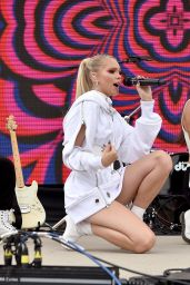 Jordyn Jones - Oceanside Supergirl Surf Pro Concert Series in Oceanside 07/30/2018