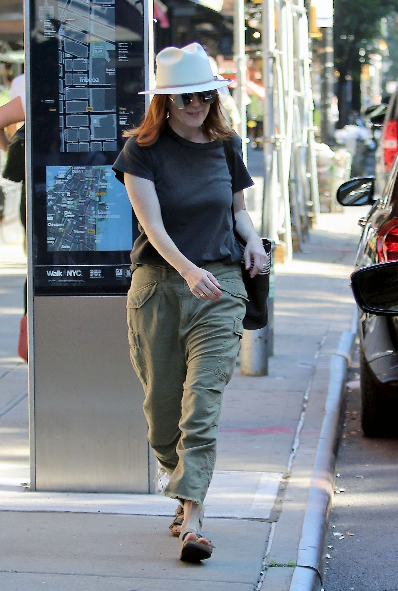 Julianne Moore Street Style New York City 07 09 2018