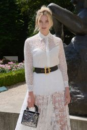 Karlie Kloss – Outside the Christian Dior Show Fall/Winter 2018/19 in Paris