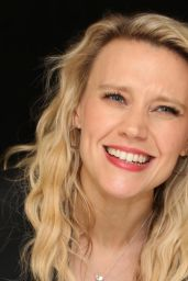 """Kate McKinnon - """"The Spy Who Dumped Me"""" Press Conference Portraits in New York City"""