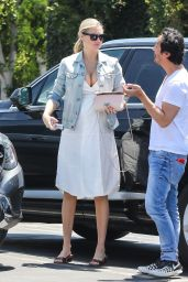 Kate Upton in Casual Outfit at Mauro