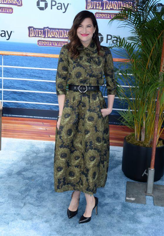 "Kathryn Hahn – ""Hotel Transylvania 3: Summer Vacation"" Premiere in LA"