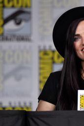 """Katie McGrath - """"Supergirl"""" Panel at SDCC 2018"""