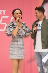Katy Perry - Q&A Session in Adelaide 07/29/2018